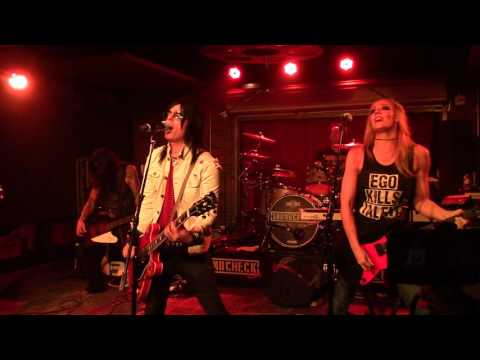 BLITZKRIEG BOP SOUNDCHECK LIVE MEMBERS OF ALICE COOPER's Band Lucky Strike