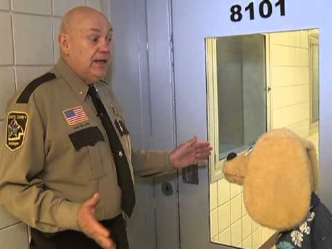 Lakeville Puppets - Tour of the Dakota County Jail