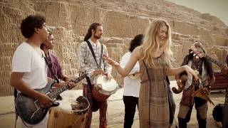 Joss Stone in Peru doing a collaboration with Amaru Pumac Kuntur  #JSTWT