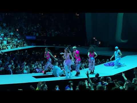 Bloodline [Live 4K HD] - Ariana Grande - Sweetener Tour Boston