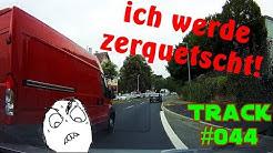Track #044: REUPLOAD Autobahnabfahrts-Wahnsinn, Blinkermuffel-Parade & ein wenig Solidarität