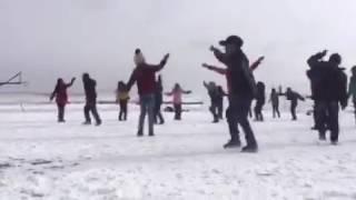 藏族学校的课间操 太牛了!男孩子跳的更好