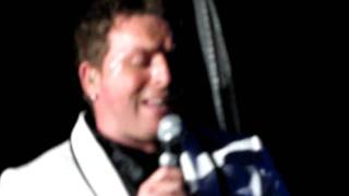 Johnny Reid - Missing An Angel (live) - St. John
