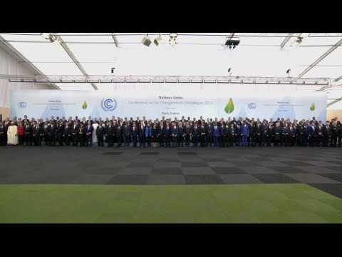 Leaders Pose for Group Photo at UN Climate Change Conference