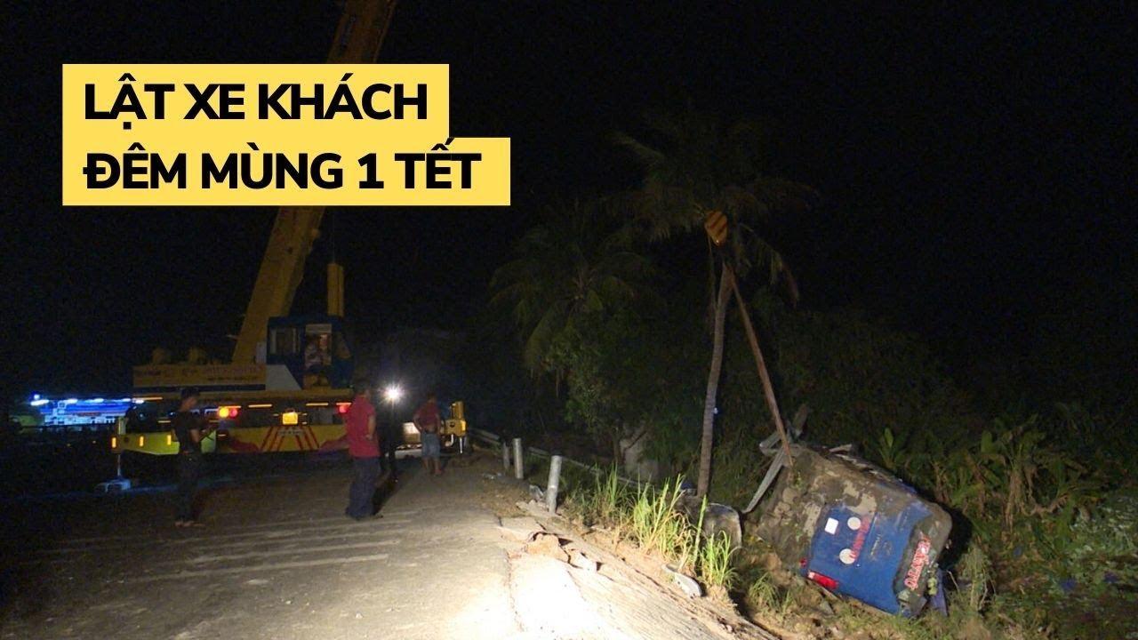 Lật xe khách trên quốc lộ ngay đêm mùng 1 Tết, 33 người bị thương