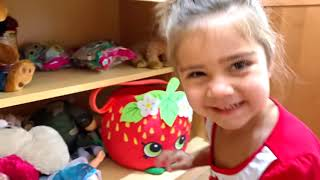 Nastya and Artem funny story, how Mia painted Marty in bright colors