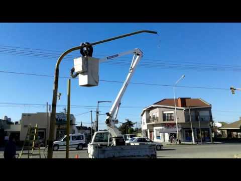 Quequén: Señalización reemplazó columna de semáforo