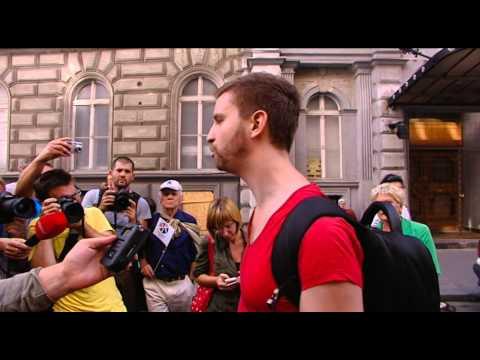Gulyás Márton a DK tüntetésen