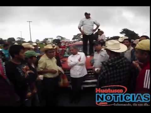 MANIFESTANTES TOMAN DE REHÉN A JUEZ DE HUATUSCO PARA LIBERAR A MUJER DETENIDA