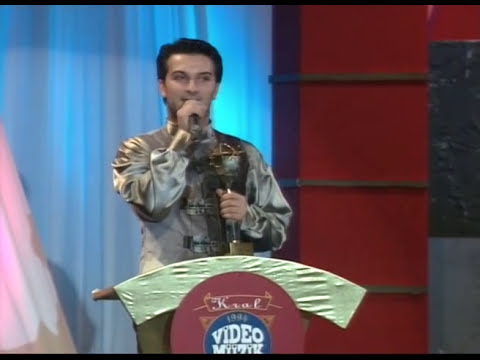 1994 Kral Türkiye Müzik Ödülleri - En İyi Pop Müzik Erkek Sanatçı