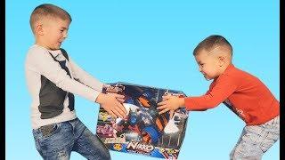 Мальчики НЕ ПОДЕЛИЛИ игрушку Доминика нашла решение