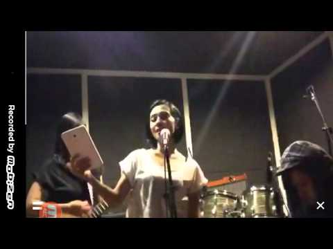 [INDONESIAN ARTIST] Enno Lerian Live music (290715)