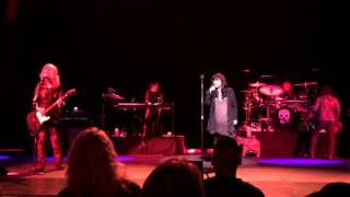 Ann Wilson -Nancy = Guitar Goddess: Nancy Wilson -Ann =Best Goddamn Rock Singer on the Planet