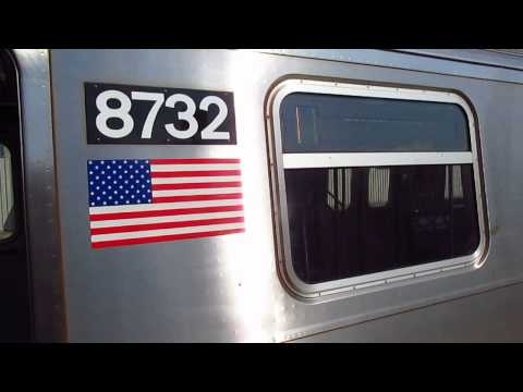 BMT Astoria Line: Coney Island bound R160B (N) Train at 30 Avenue
