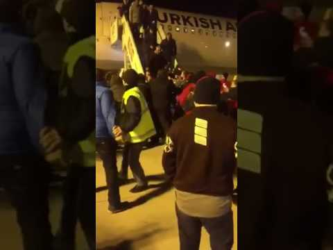 [VIDEO-2] Fashion designer Şansal attacked and detained at İstanbul airport