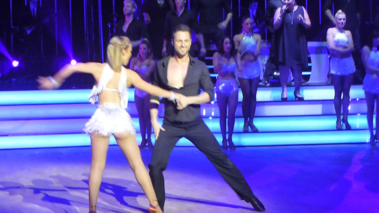 danse avec les stars la tourn e 2017 i les danseurs 2 lille youtube. Black Bedroom Furniture Sets. Home Design Ideas