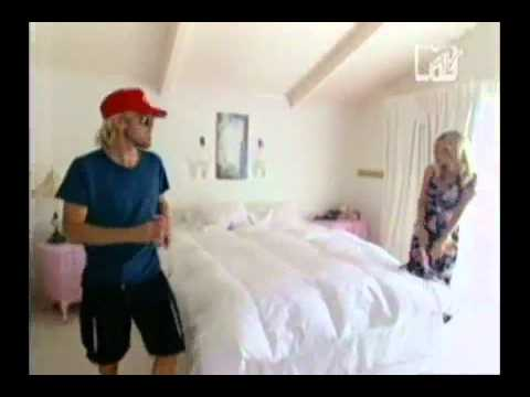 MTV Cribs   Taylor HawkinsFoo Fighters and Chad SmithRHCPeppers