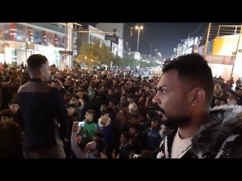 مظاهرات ميسان المتظاهرين يحيون الاعلامي علاء طالب الصبيحاوي تحية حب الكم