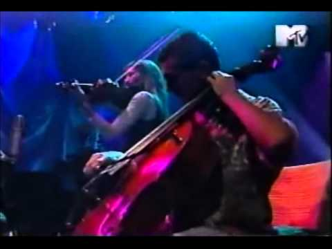 Yendo de la Cama al Living - Charly Garcia Unplugged (HQ audio).wmv