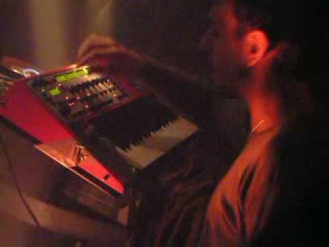 Cristian Vogel - Live @ TRESOR (Berlin) - 01.10. 2004.avi
