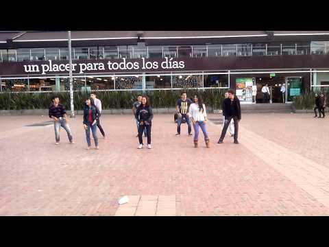 Flashmob Glee Colombia 2014 :)