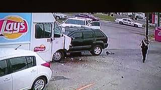 RAW: Police chase suspect slams into Lay's truck and shoots at deputies