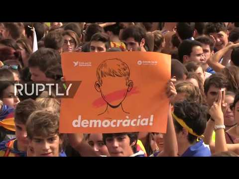 LIVE: Students rally in support of the referendum in Barcelona