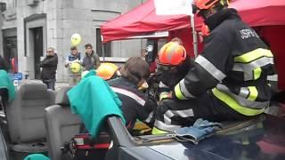 desincarceration demonstration faites par mon frere et ses collegues pompier volontaire