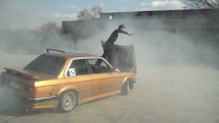 Crazy Drift Show With BMW e30 !!!