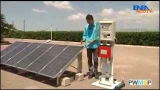 ENEA WebTV - Il montaggio di un impianto fotovoltaico(L'ABC del fotovoltaico. Breve scheda tecnica che, utilizzando un impianto dimostrativo, illustra le proprietà del fotovoltaico e le modalità di installazione., 2013-08-19T10:46:23.000Z)