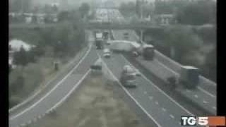 Shockante incidente su l'autostrada A4 Venezia-Trieste  sette morti
