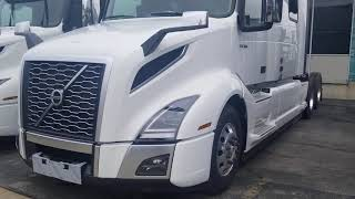2020 Volvo VNL 860 Semi Truck Full Walkaround Exterior and Enterior
