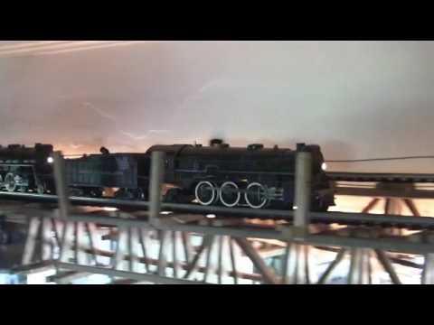 American Flyer S Gage train shelf layout.video 1