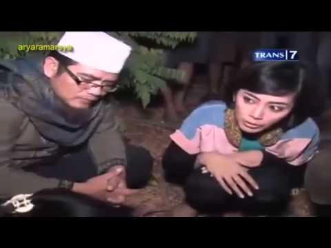 Dua Dunia - Rumah Pocong Banguntapan [Full Video] 25 Oktober 2013