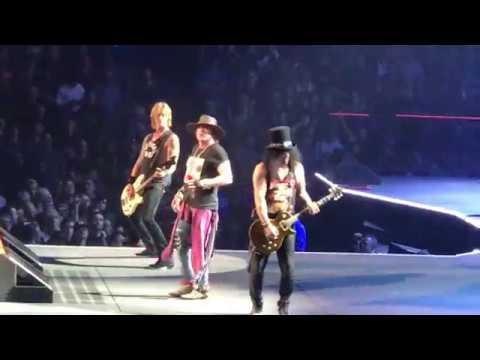 """GUNS-N-ROSES - """"YESTERDAYS"""" LIVE AT TD GARDEN IN BOSTON - 10/22/17"""