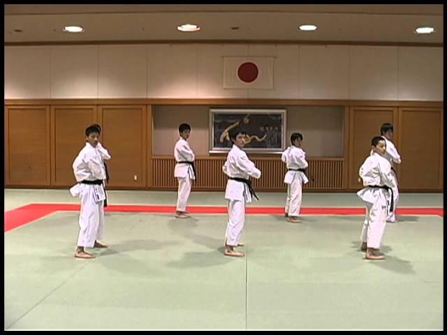 Bassai Dai 7人 - Japan Karatedo Hayashi-ha Shitoryu