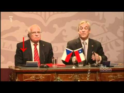 Czech President steals pen in Chile