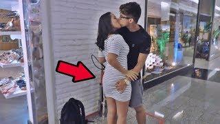 COMO BEIJAR GAROTAS DESCONHECIDAS COM BRINCADEIRAS DE CRIANÇA / KISSING PRANK