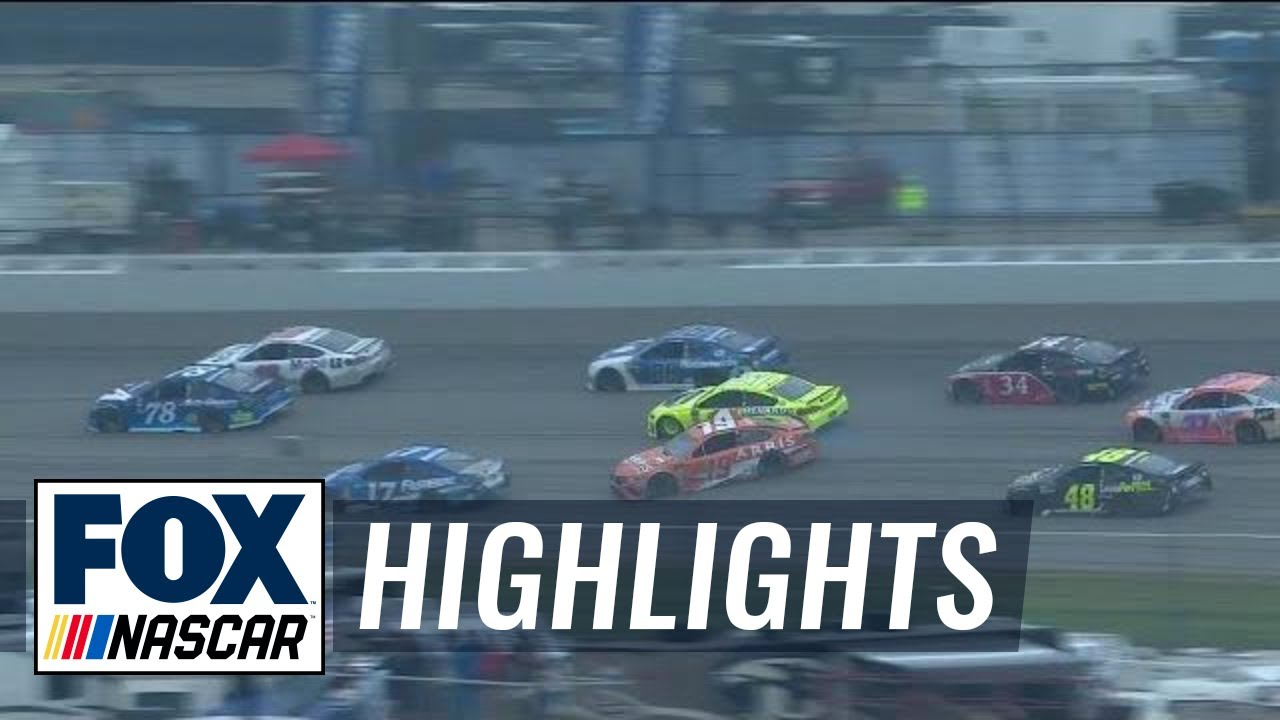 Daniel Suarez hits Paul Menard, spins out early in Stage 2 | 2018 MICHIGAN | FOX NASCAR