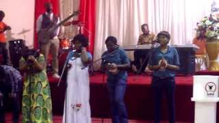 Repeat youtube video Daniel Twum Worship @ REPLIB Birmingham May 2013