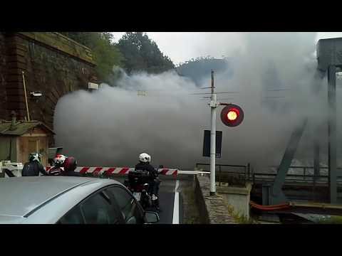 Passaggio a livello Ovada (AL) con treno a vapore - Level crossing Ovada with steam train