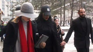 Rihanna prank: Ottawa fans take selfies with fake star