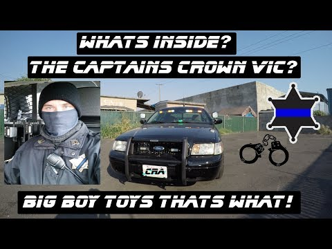 Whats Inside The Captains Ford Crown Victoria Police Interceptor?
