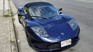 Tesla Roadster Spotted in Hawaii!