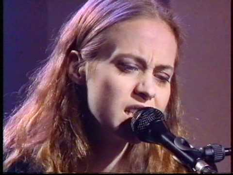 FIONA APPLE - Shadow Boxer - NPA LIVE