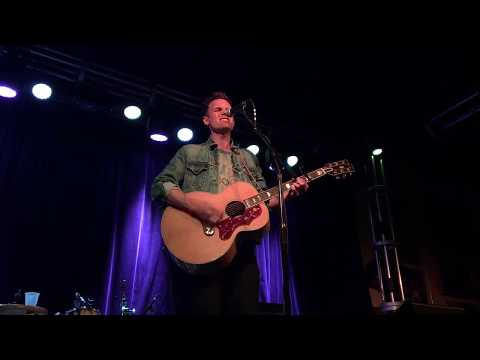 Tyler Hilton- The Way That She Loves