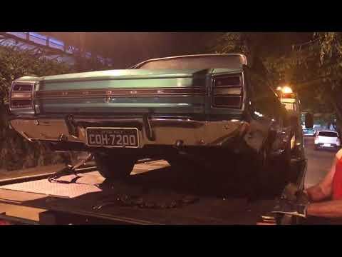 A despedida do capitão América ... Dodge Charger R/T 1972