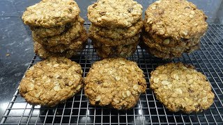Chewy Oatmeal &amp Raisin Cookies