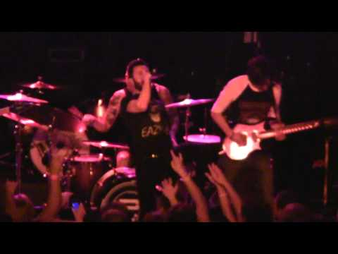 Periphery - The Walk live at Pop's guest vocals Elliot Coleman from Tesseract