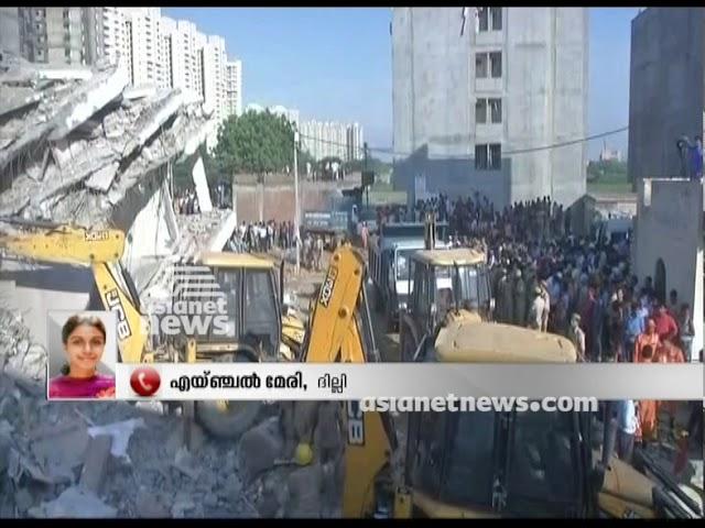 3 dead in building collapse in Delhi